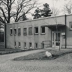 images/Galerien/05-Unternehmen/05-Geschichte/Geschichte-1974-Labor_235x235.jpg