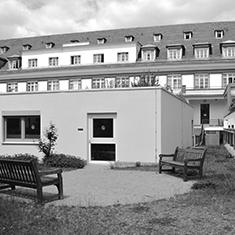 images/Galerien/05-Unternehmen/05-Geschichte/Geschichte-2013-Geriatrie_235x235.jpg